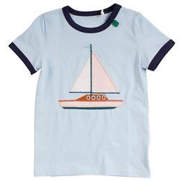 T-Shirt Segelboot in hellblau Aufnäher