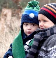 Vorschau: Wintermütze mit Bommel - marine grün vorne reflektierend