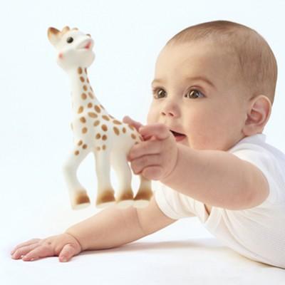 vulli-sophie-la-girafe-babyspielzeug-beissring-naturkautschuk-oeko-test-giraffe-kaufen-blog