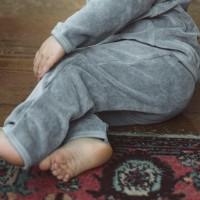 Warme  Babyhose  Velour  in  blau-grau