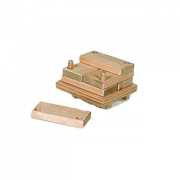 Holzstapel für Echtholz Gabelstapler - creamobil