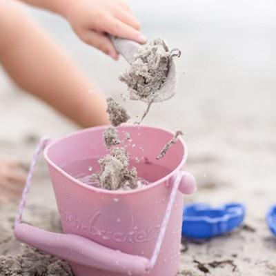 scrunch-bucket-sandspielzeug