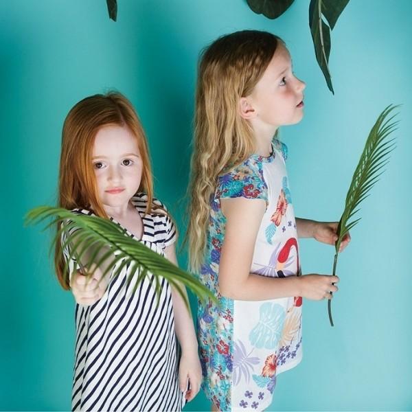 Leichtes Sommerkleid für Mädchen natur navy