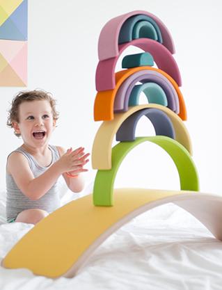 balance-board-von-wobbel-fuer-kinder-grimms-holzspielzeug