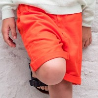 Robuste Twill Shorts in rot