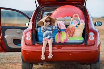 mit-auto-kindern-in-urlaub-fahren