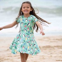 Sommerkleid zum Drehen und Flattern grün