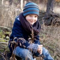 Vorschau: Winter Strickmütze in blau grau gestreift