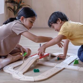 Spielstraße für Kinder ab 3 Jahren aus Holz