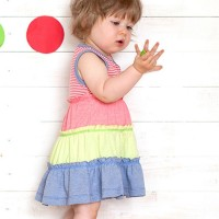 Mädchen Kleid ohne Arme weit geschnitten soft