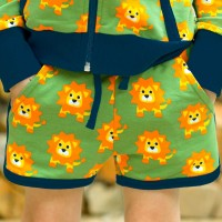 Leichte Löwen Jersey Shorts in grün