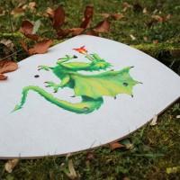 Ritterschild aus Holz mit Drachen-Motiv