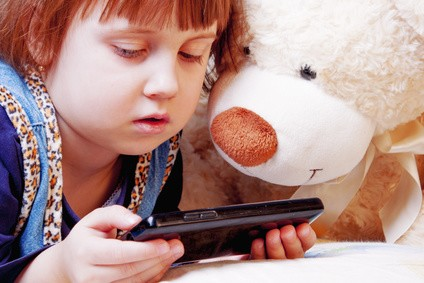 zu-viel-fern-sehen-von-kindern-handy