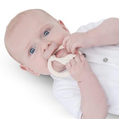 vulli-sophie-la-girafe-babyspielzeug-beissring-naturkautschuk-schadstofffrei-kaufen-blog