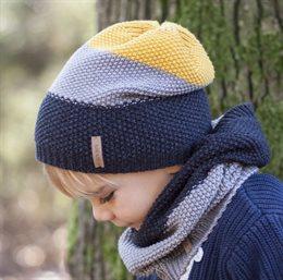 Übergangs- und Wintermütze gestrickt mit gefütterten Ohren