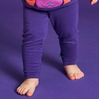 Dehnbare Bio Leggings in dunkellila