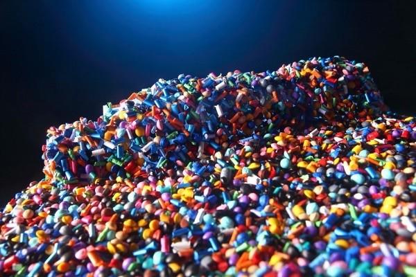 plastik-granulat-findet-sich-in-vielen-bereichen-unseres-lebens