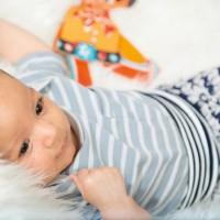 Bio Baby T-Shirt Schlupfkragen grau