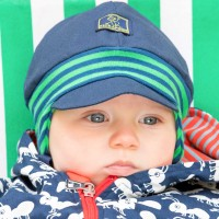 Babymütze mit softem Ohrenschutz Nils UV 80 marine