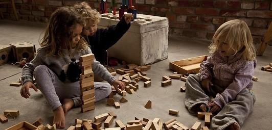 Wooden-Story-oekologisches-Holzspielzeug-greenstories-Blog