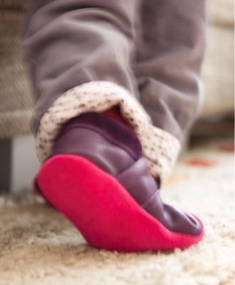 Baby-Lauflernschuhe-mit-weicher-Sohle-aus-Leder-Erfahrungsbereicht-Elten-bei-greenstories