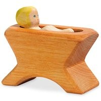 Krippe mit Kind Holzfigur  8 cm x 4,5 cm