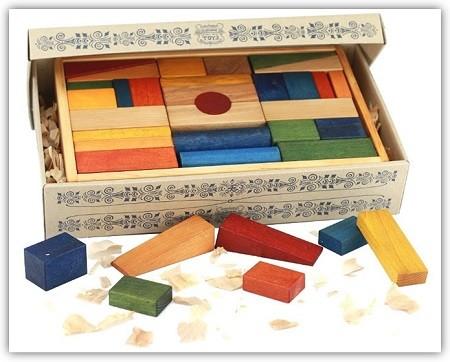 Wooden-Story-Baukloetze-aus-Holz-in-Kiste-ab-1-Jahr
