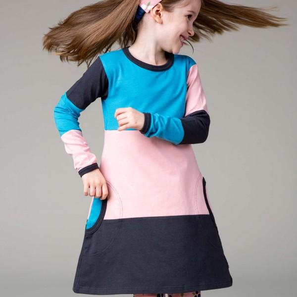 süßes Langarmkleid im Multisnow Design