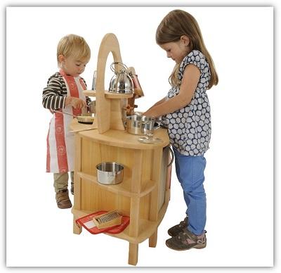 Spielkuche-fuer-zwei-Kinder-Glueckskaefer-von-Nic