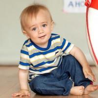 Vorschau: Bio Babyjeans aus leichtem Denim für alle Jahreszeiten