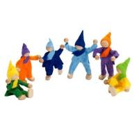 6 biegsame Puppen bis zu 8,5 cm aus Filz fürs Puppenhaus