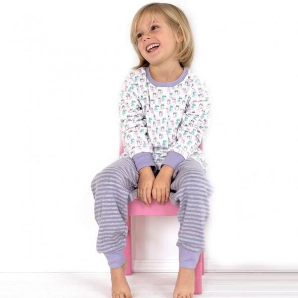 Süsser leichter Mädchen Schlafanzug