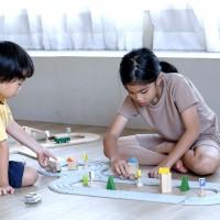 Spielzeug Straße und Schienen ab 3 Jahren