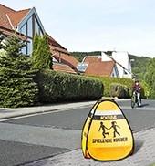 """Vorschau: 3D-Straßenwarnschild """"Spielende Kinder"""""""
