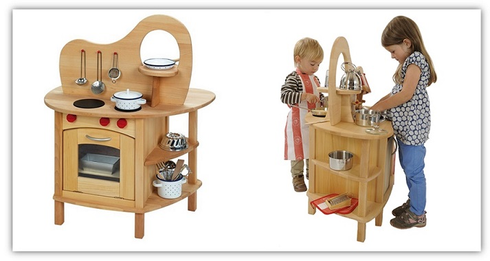 Spielkuche-schadstofffrei-fuer-zwei-Kinder-Glueckskaefer-bei-greenstories