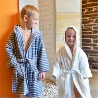 Vorschau: Flauschiger Kinder Bademantel blau gestreift