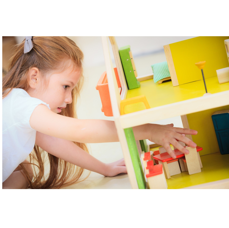puppenhaus mit verstellbarer treppe und balkon vollholz greenstories. Black Bedroom Furniture Sets. Home Design Ideas