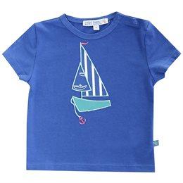 T-Shirt mit coolem Segelboot Aufnäher