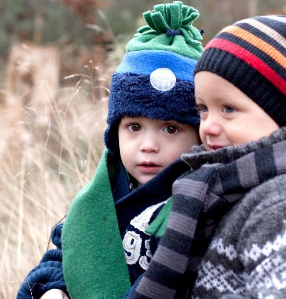 Wintermütze mit Bommel - marine grün vorne reflektierend