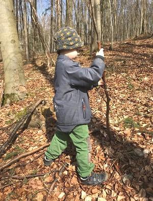 stick-lets-spielzeug-kinder-ab-6jahre-in-natur-spielen